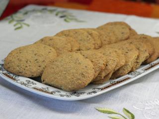 Orechovo- semiačkové keksy