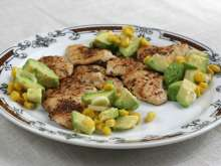 Kuracie plátky s kukurično- avokádovou salsou