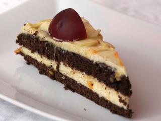 Šľahačková torta s nektarinkami