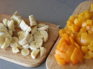 Nakrájame ovocie