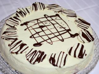 Valentínska vanilkovo jahodová torta