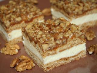Medové rezy s orechovou grilážou