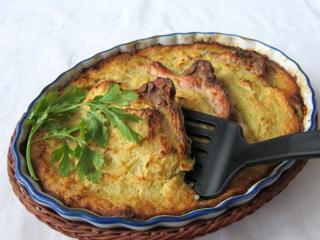 Zapekané bravčové karé v zemiakovej placke