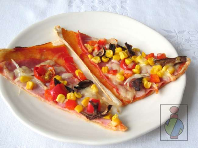 Pizza  z lístkového cesta
