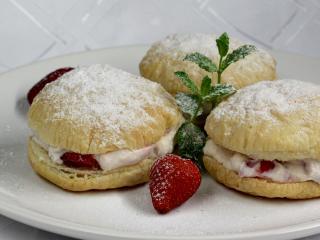Pampúšiky s jahodovým krémom