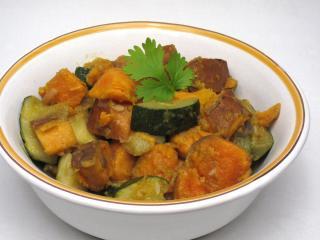 Sladké zemiaky s cuketou a indickým korením