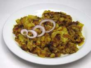 Pražené korenené zemiaky s cibuľou