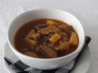 Hlivový guláš so zemiakmi