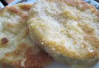 Vyprážaná cuketa so salámou a syrom