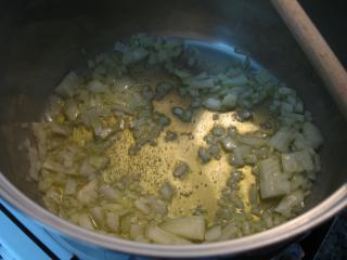Príprava zemiakov a cibule