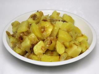 Cibuľové varené zemiaky