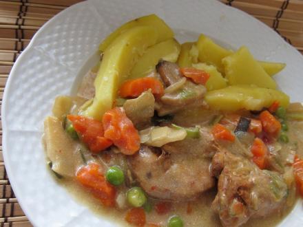 Marinované kuracie mäso s ázijskou zeleninou