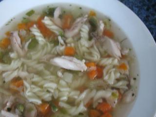 Rýchla kuracia polievka z parného hrnca