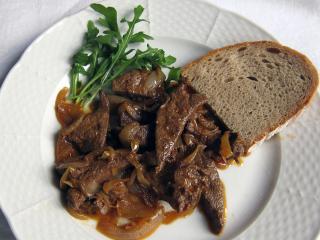 Bravčová pečeň na cibuli