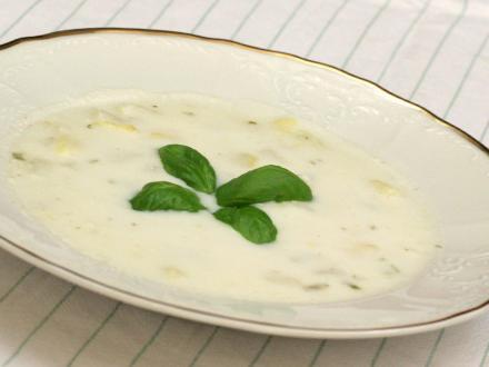 Špargľová polievka so zemiakmi