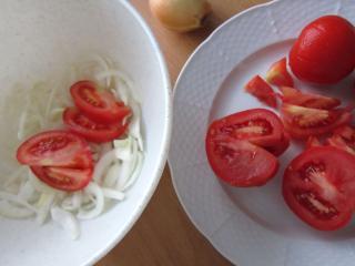 Cibuľa, paradajky