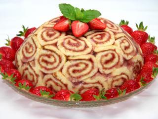 Jahodová torta z rolády