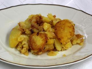 Opekané cibuľové zemiaky