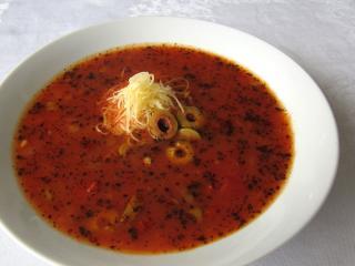 Provensálska paradajková polievka s olivami