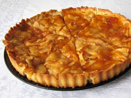 Tradičný francúzsky jablkový koláč