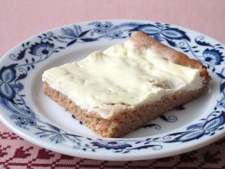 Špaldový smotanový koláč