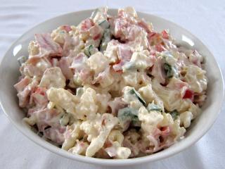 Karfiolový smotanovo majonézový šalát
