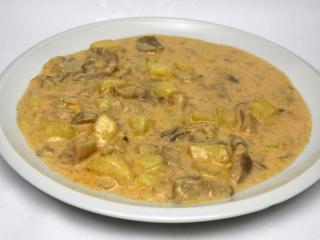 Smotanová hlivová omáčka so zemiakmi