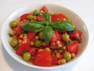 Cícerový šalát s paradajkami