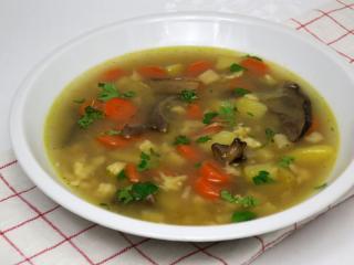 Zeleninová polievka s hubami