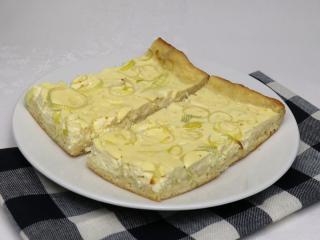 Slaný syrový koláč s pórom