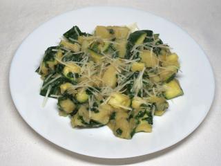 Cuketové zemiaky s medvedím cesnakom
