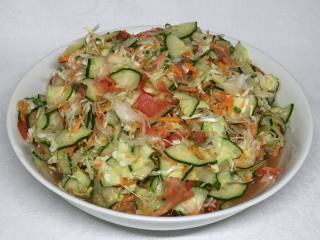 Chrumkavý zeleninový šalát