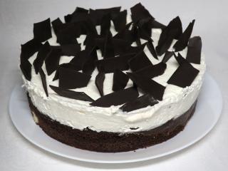 Šľahačková torta s tvarohovými guľôčkami