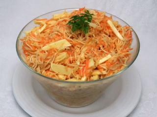 Zelerovo mrkvový šalát so syrom