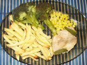 Morčacie prsia na kukurici s hranolkami a brokolicou
