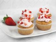 Jahodové cupcakes s mascarpone krémom