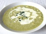 Brokolicová polievka so zelerovými haluškami
