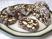 Piškótová saláma s orechmi a kokosom