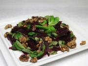 Poľníčkový šalát s cviklou a orechmi