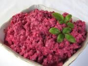 Cviklový šalát so zelerom a jogurtom