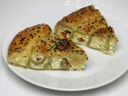 Syrový slaný koláč s olivami